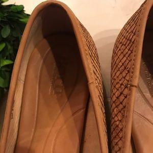 Born Shoes - Born Carri Flat in Brown Leather Stitch